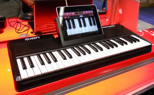 iPad Keyboard controller